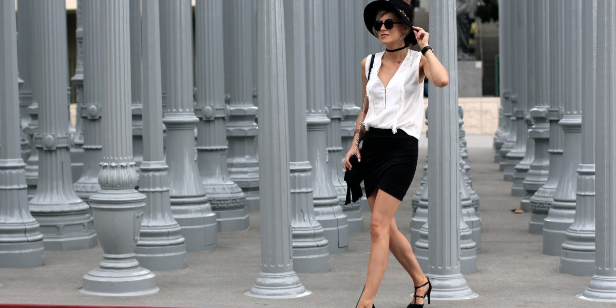 chandelier lacma outfit valentino ikks sandro holiday outfits lucky brand rebecca minkoff