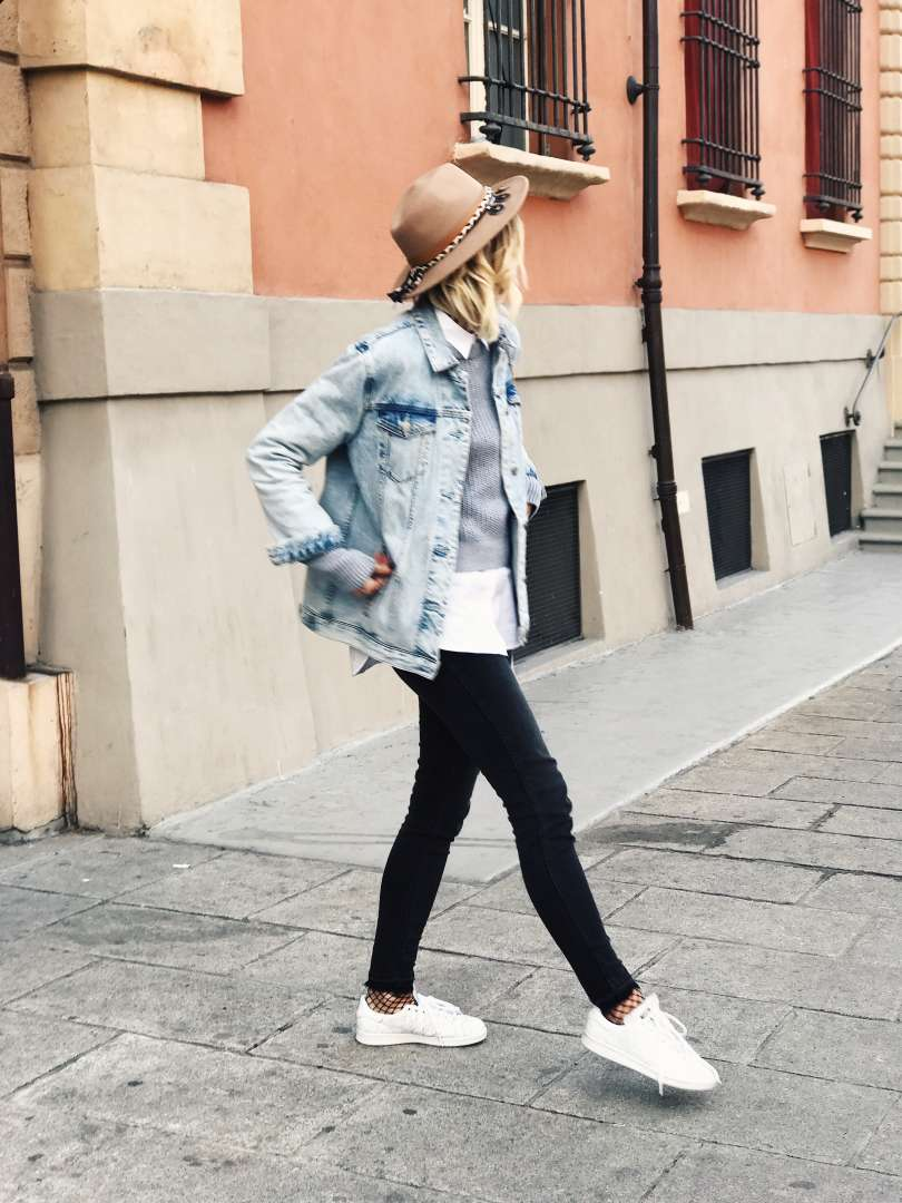 casual girl bologna mood of the day stan smith pull and bear levi's fashion belgian blogger