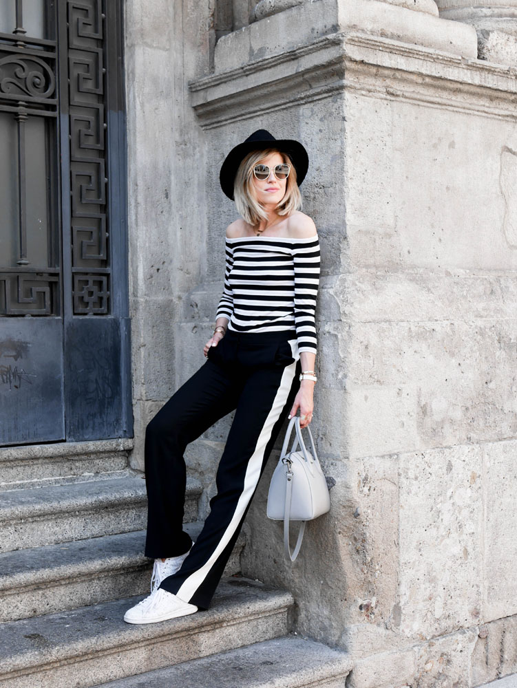 COMBINING STRIPES