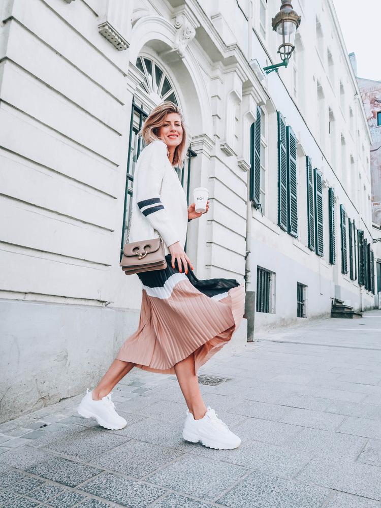A porter ce printemps-été 2018: la jupe midi plissée