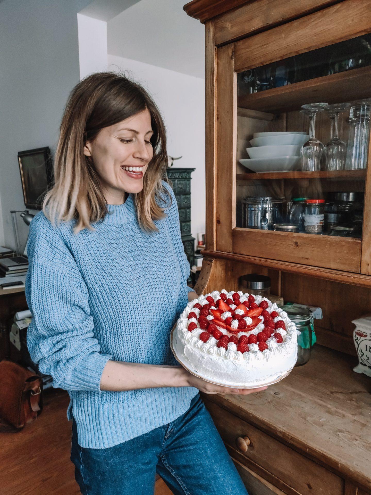 gateau anniversaire de savoie fruits rouges crème fraiche confiné recette sans gluten